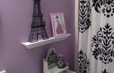 Eiffel Tower Bathroom Decor Awesome Wish She Had Her Own Bathroom To Decorate Too