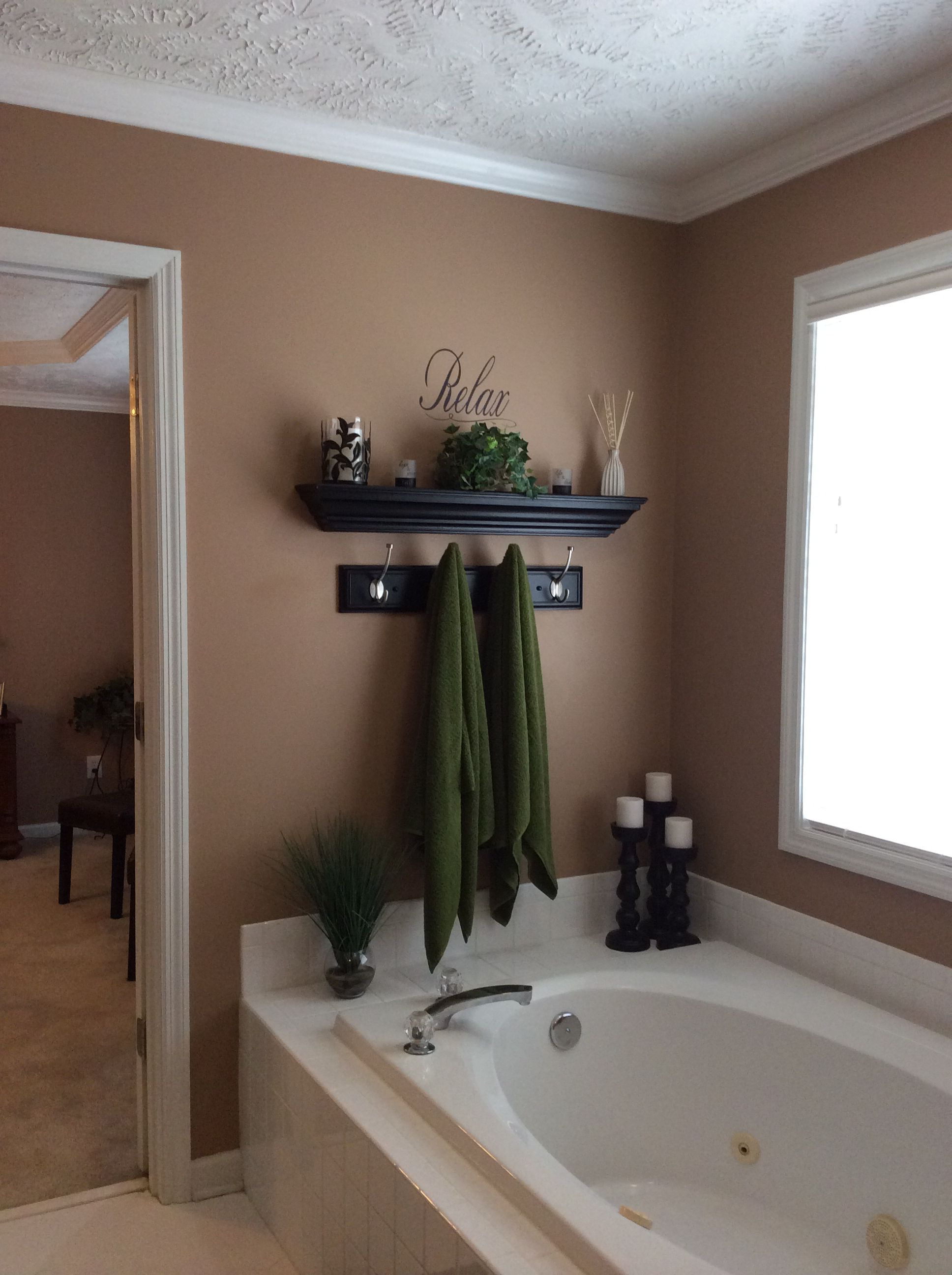How to Decorate A Bathroom Wall Best Of Garden Tub Wall Decor