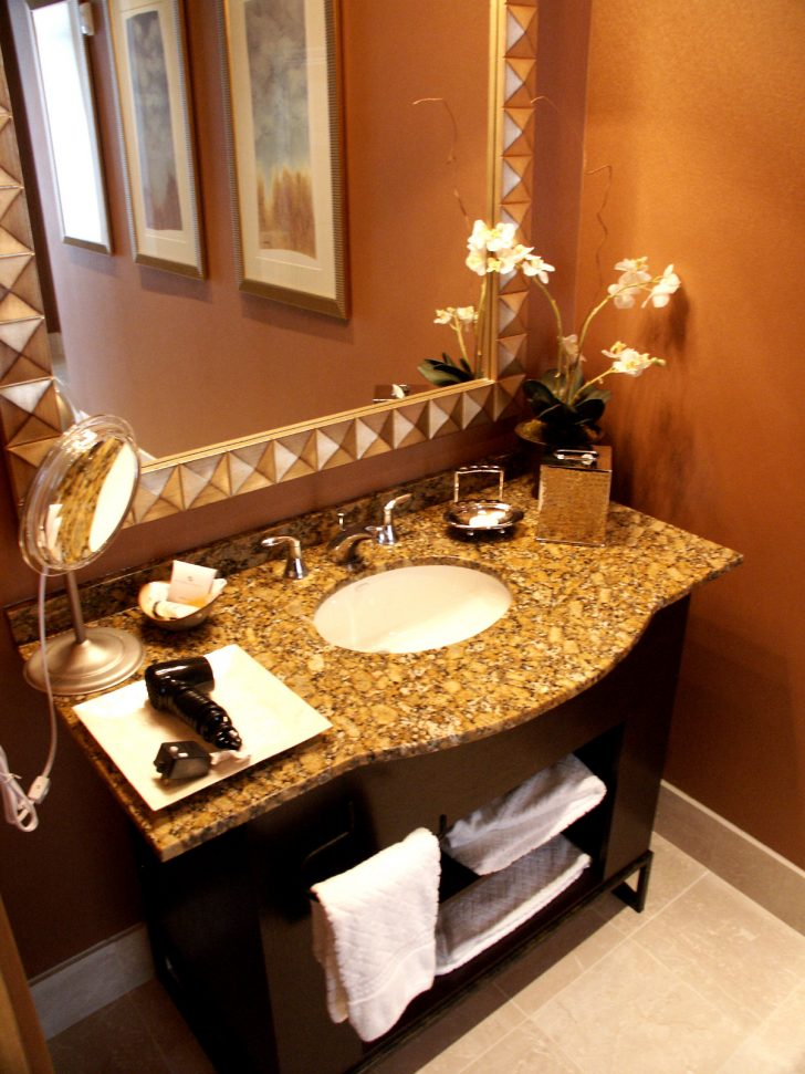 Small Bathroom Decorating Ideas Tight Budget 2021