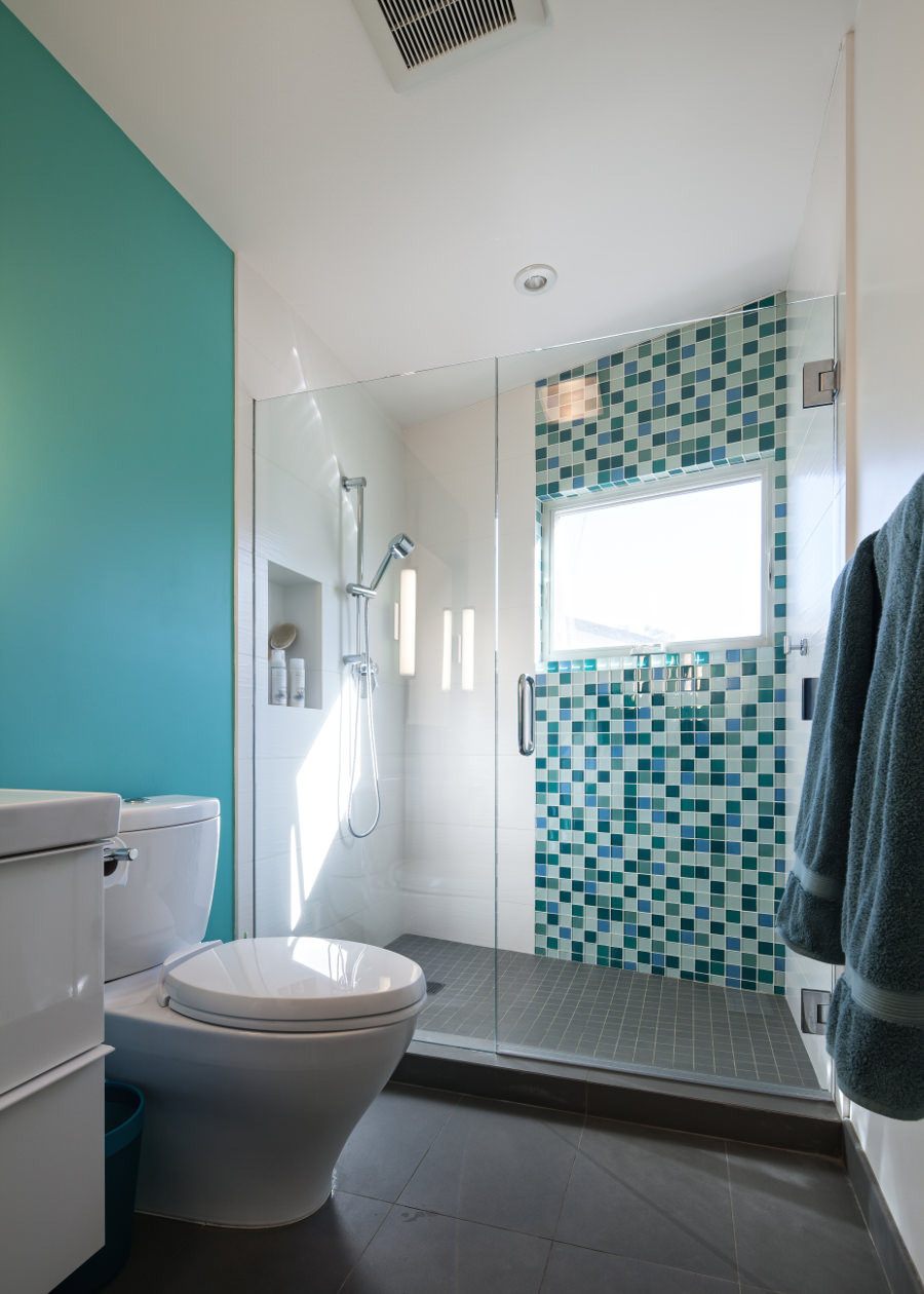 Contemporary Bathroom With Turquoise Accent Wall