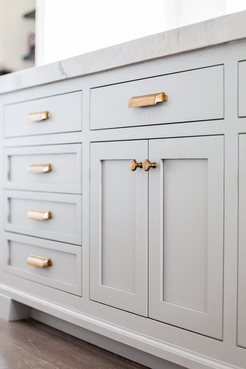Where to Put Knobs On Cabinet Doors Lovely top Hardware Styles to Pair with Your Shaker Cabinets