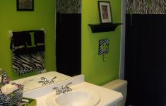 Zebra Bathroom Decor Fresh I Kind Of Love This Bathroom And The Fact That The Towel