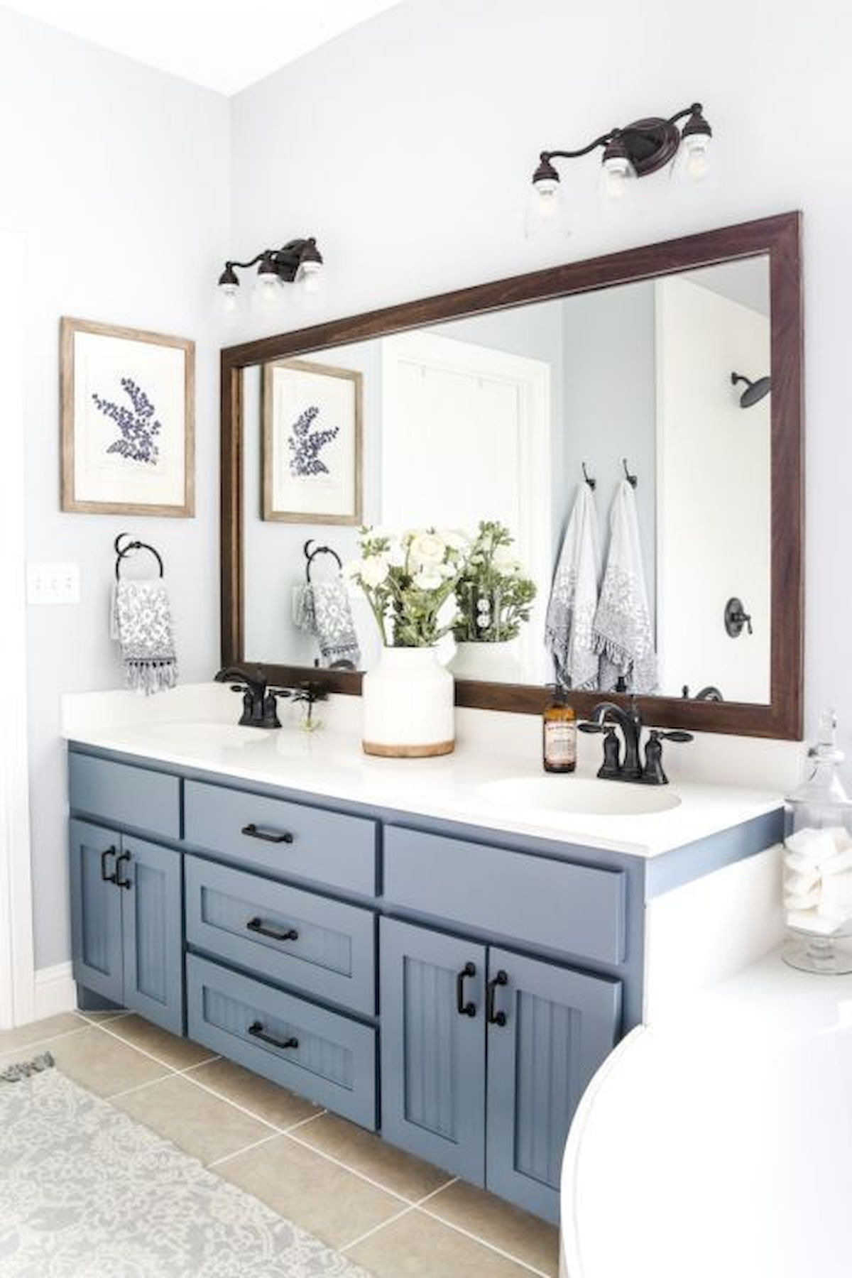 60 Fantastic Farmhouse Bathroom Vanity Decor Ideas And Remodel 14