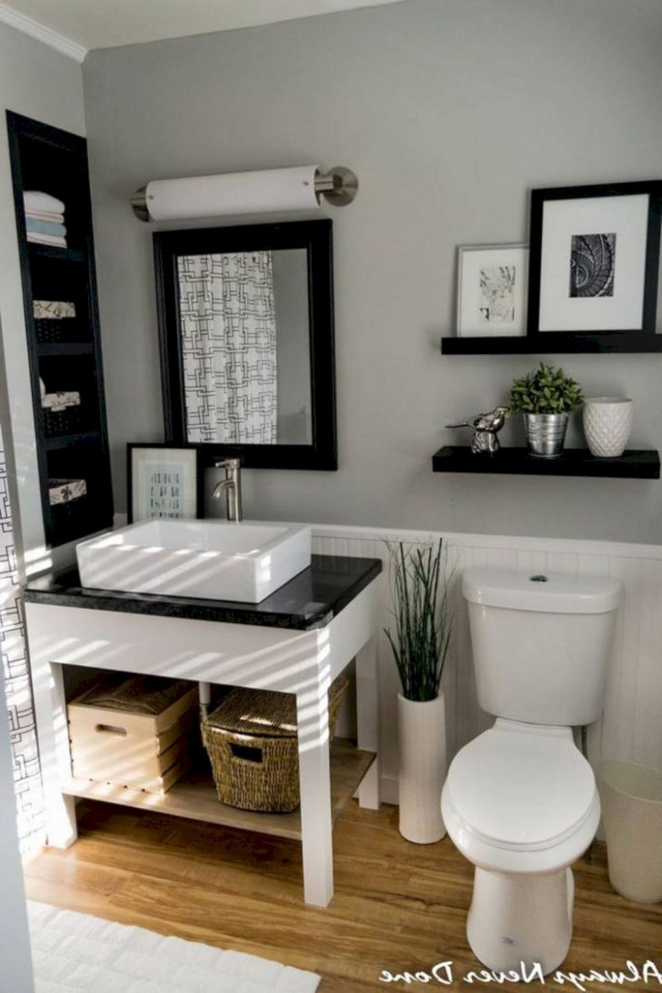 Bathroom Wall Decor Pictures 2021