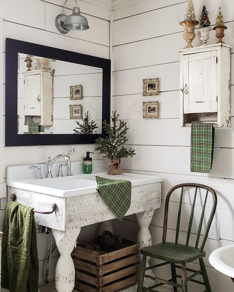 Rustic Christmas Bathroom Decor with Green Accents via careyscountrygarden 819x1024