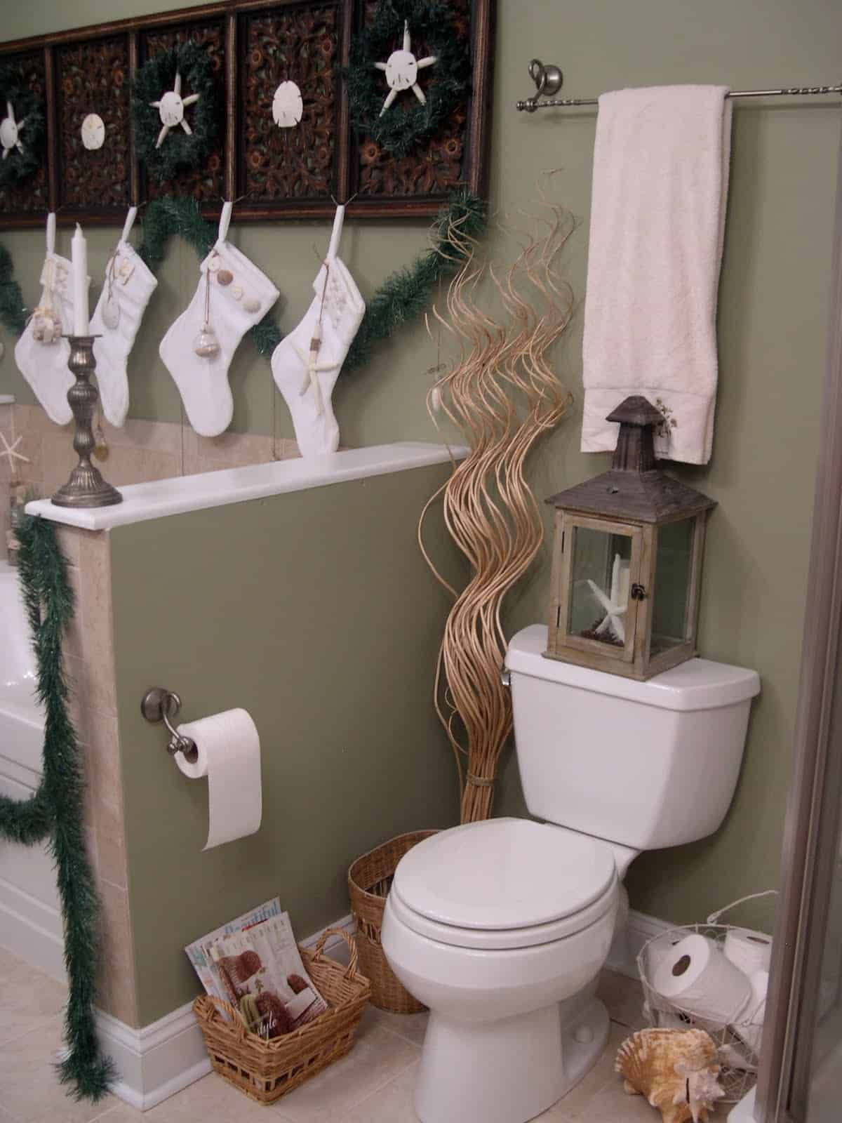 Bathroom Decor Sets for Cheap Elegant 21 Awesomely Unexpected Christmas Bathroom Decorations to