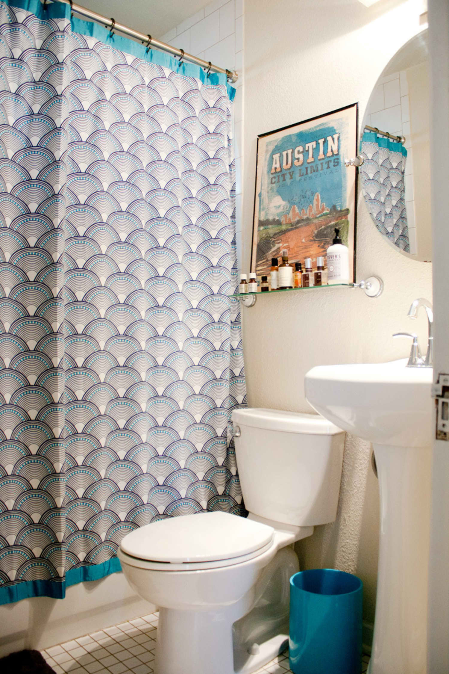 Decorating A Small Bathroom with No Window Lovely Small Bathroom Ideas 6 Room Brightening Tips for Tiny