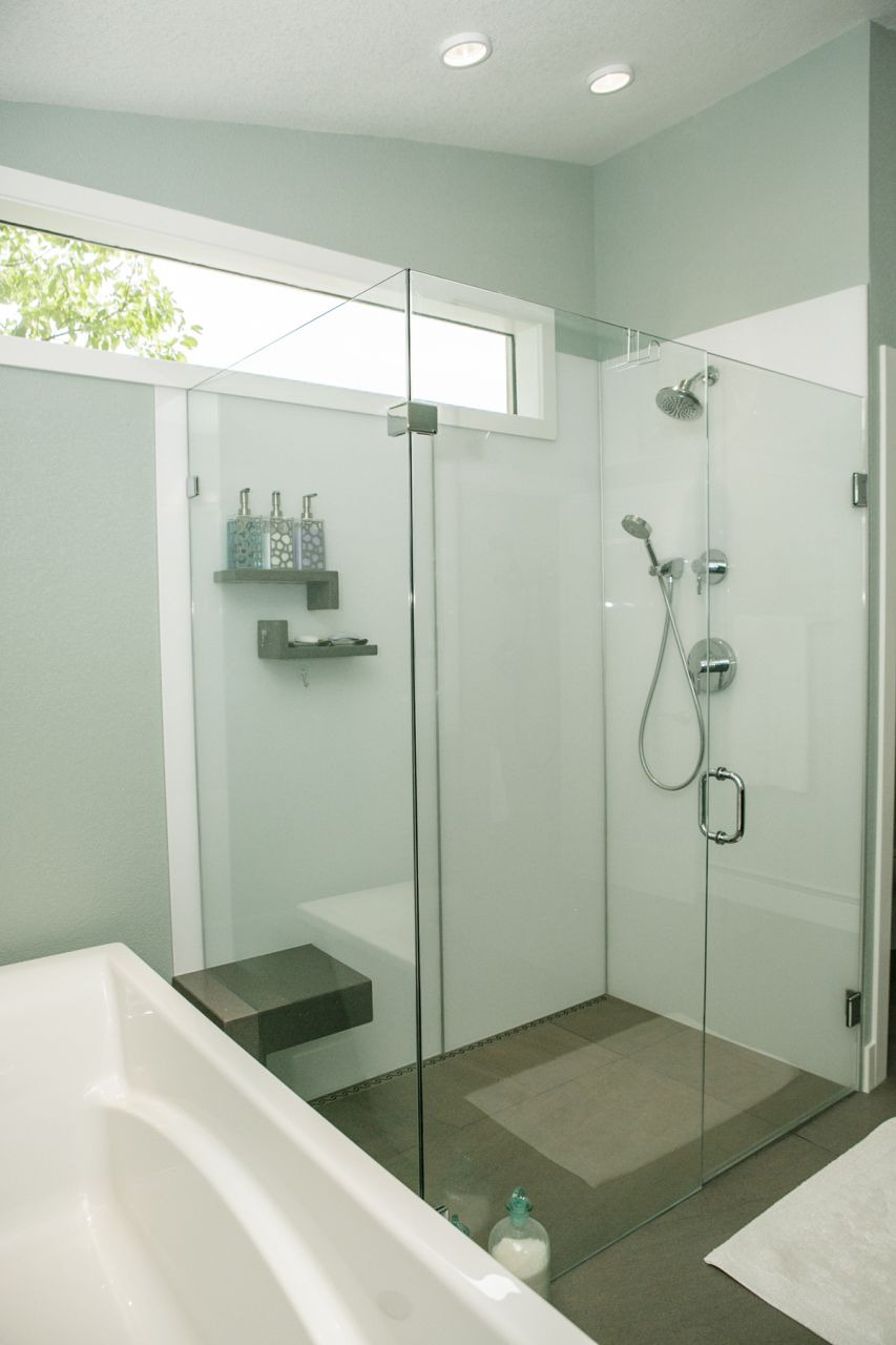 Image 2 Arctic White 2 interior shower walls best view 149A7349
