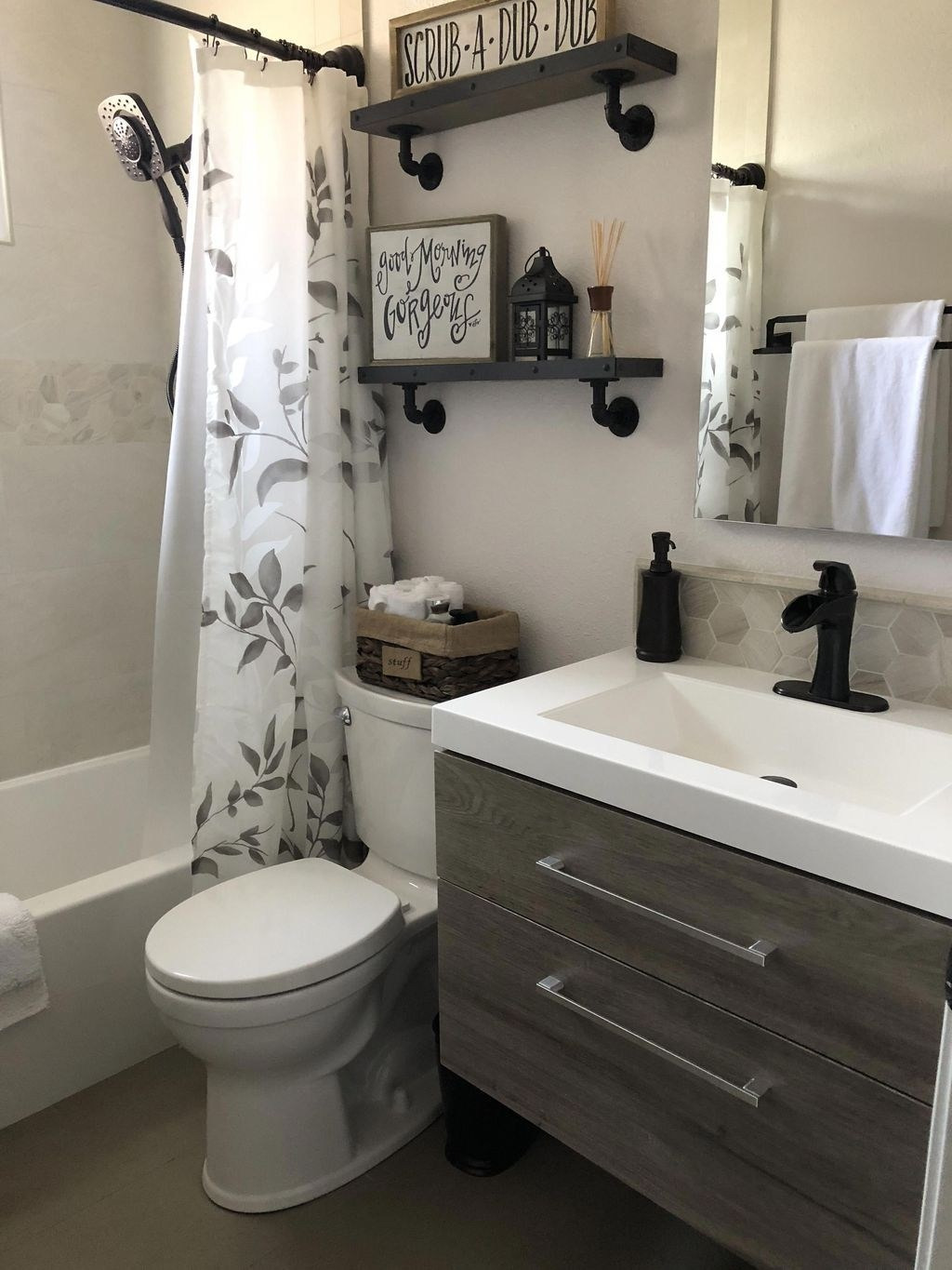 cheap ways to decorate a small bathroom