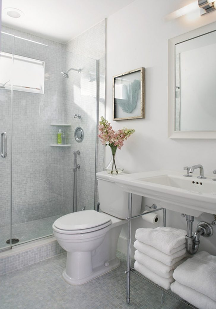 How to Decorate A Very Small Bathroom 2021