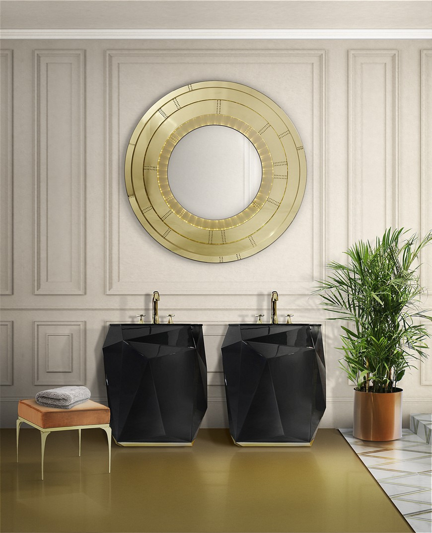 5 Gold Accented Wall Mirrors To Enhance Your Luxury Bathroom Decor 5