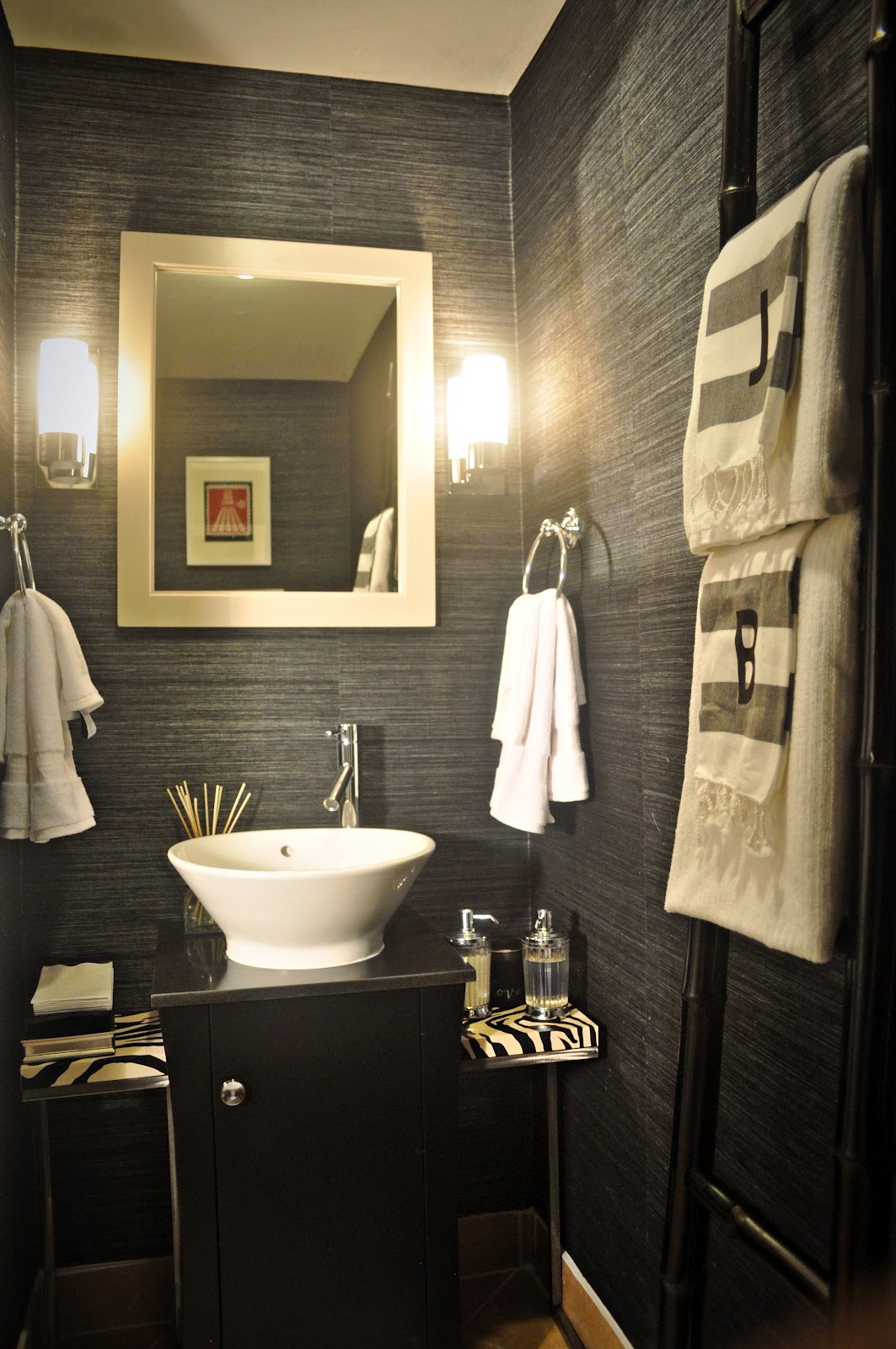 decorating a small powder room 1