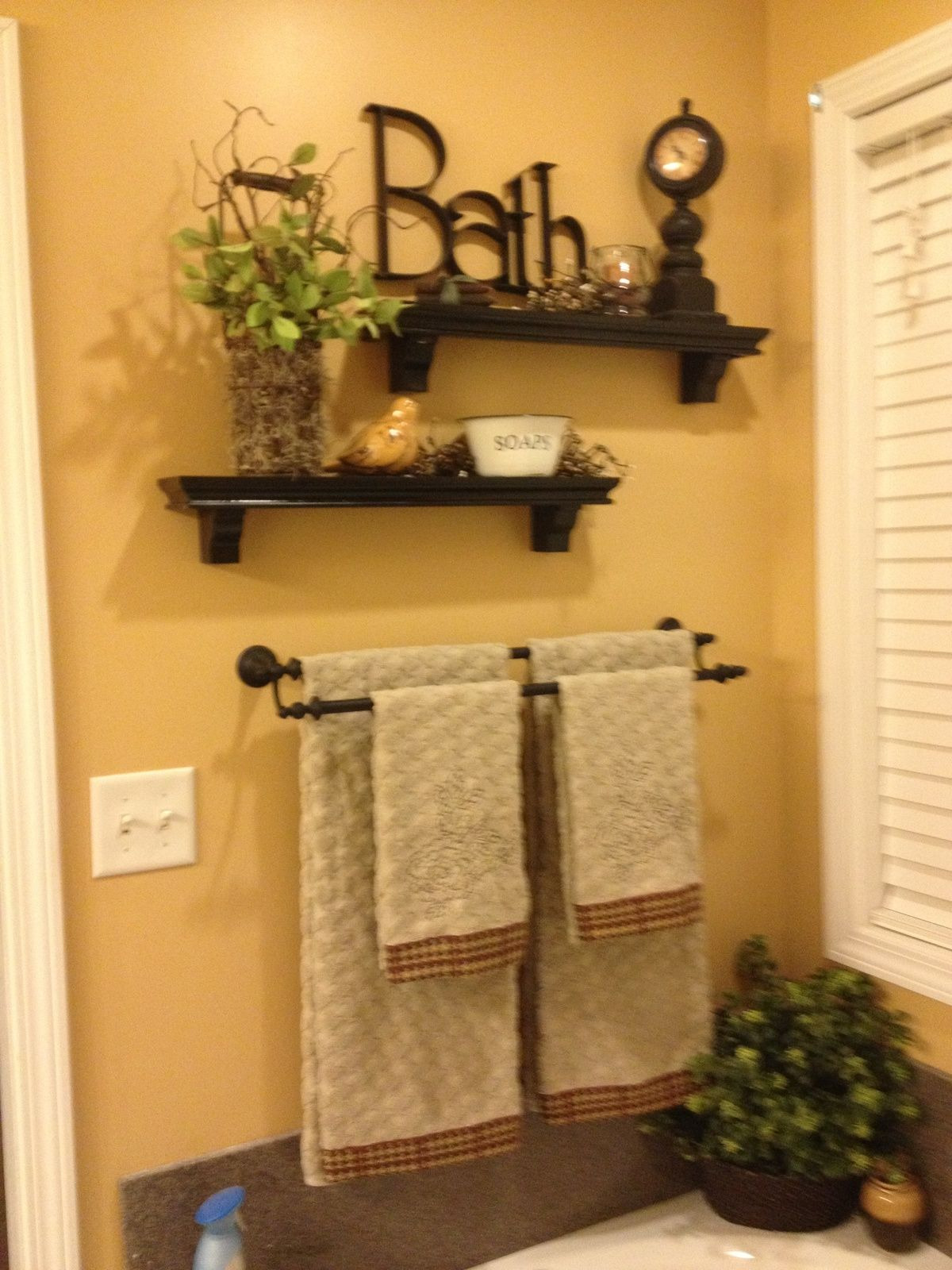 Wall Decorating Ideas for Bathrooms New Cute Could Do that Above the towel Rack In My Upstairs